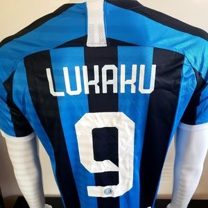 Lukaku inter Milan kit